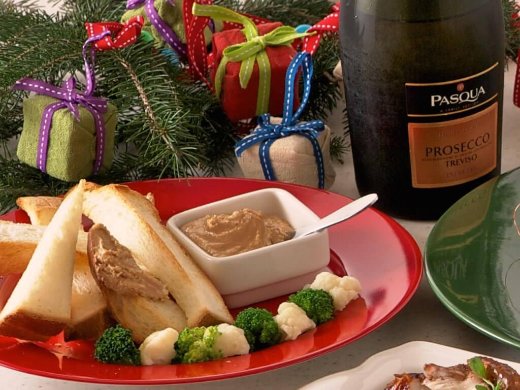 パンに塗るアーモンドスティック食パン添え~クリスマス仕立て~