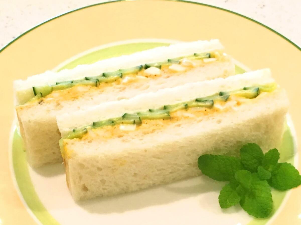 アーモンド風味の卵きゅうりサンド