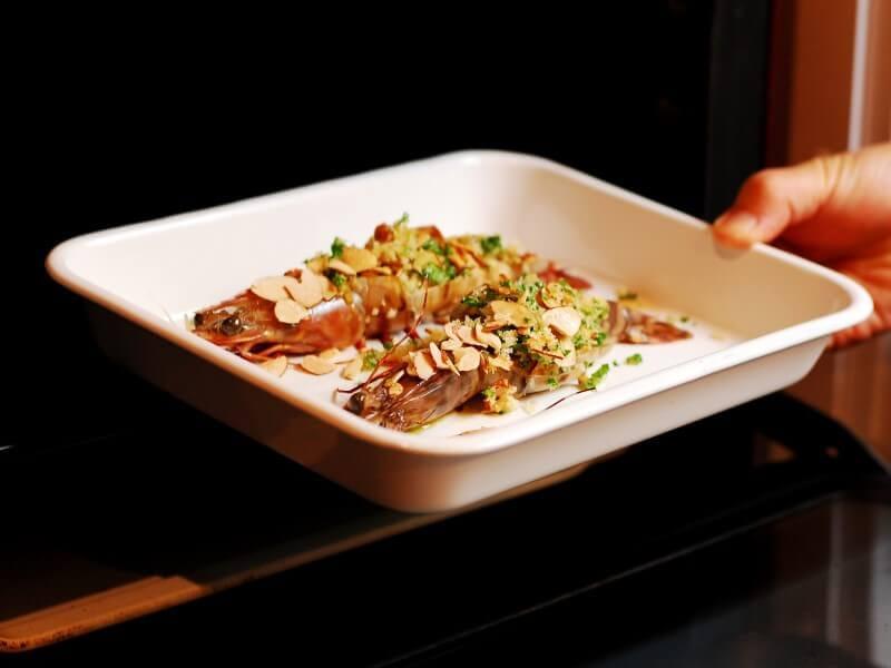 オーブンで簡単に【海老のアーモンド香草パン粉焼き】