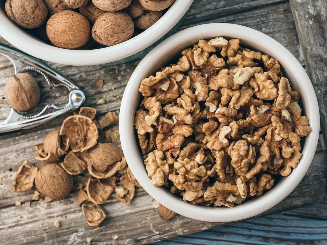 くるみ クルミ 栄養 健康 美容 効果 効能 食べすぎ 食べ過ぎ どのくらい 1日 量 目安 何粒 まで どれくらい 手のひら 10粒
