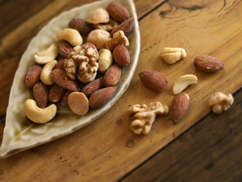 ナッツ 糖質 低糖質 カロリー ダイエット おすすめ オススメ 食べ過ぎ 食べすぎ 1日 量 どれくらい 栄養 美容 健康 効果 効能 糖質制限 血糖値 おやつ 間食