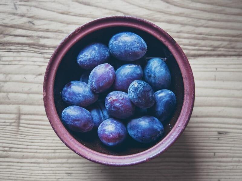 プルーン 栄養 美容 健康 効果 ドライフルーツ 効能 ダイエット 便秘 解消